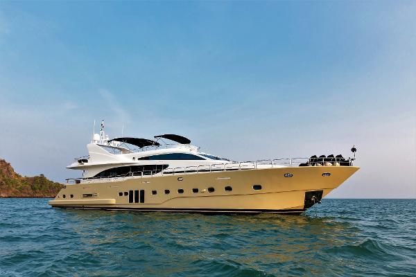 Bilgin Custom 97 Charter superyacht