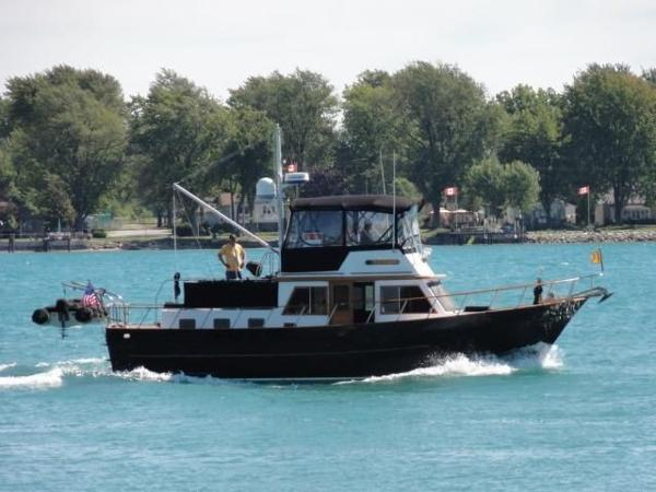 DeFever 41 Trawler Main Profile