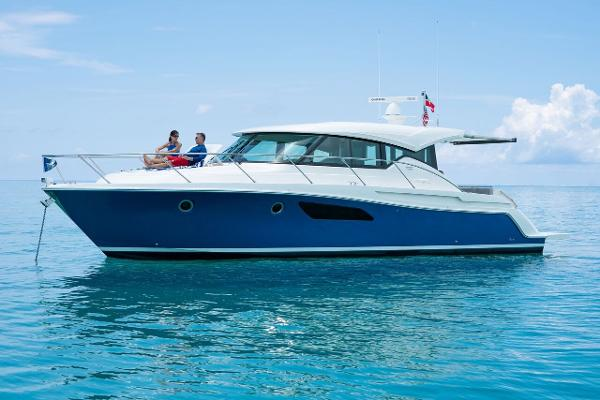 Tiara Yachts C44