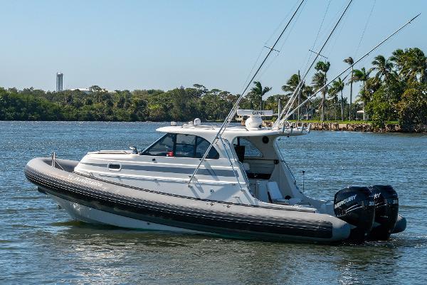 San Juan RibCraft 32- Seakeeper 2 Gyro