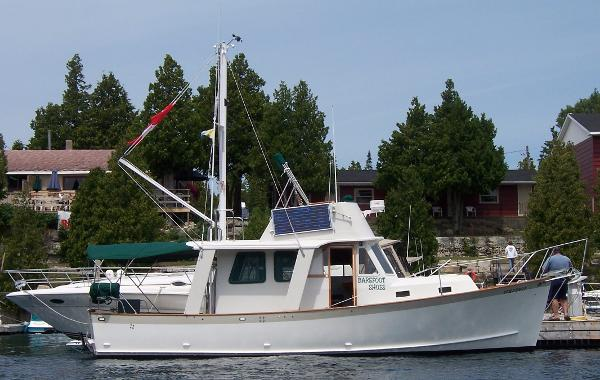 Ontario Yachts Ltd Great Lakes 33 Starboard profile