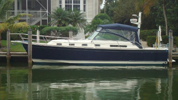 Sabre 36 Express Beautiful Downeast Yacht
