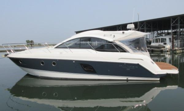 Beneteau GRAN TURISMO 38 HARD TOP MAIN PHOTO