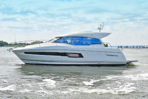 Prestige 460 S Port Side