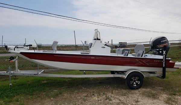 Xpress Boats SW20B
