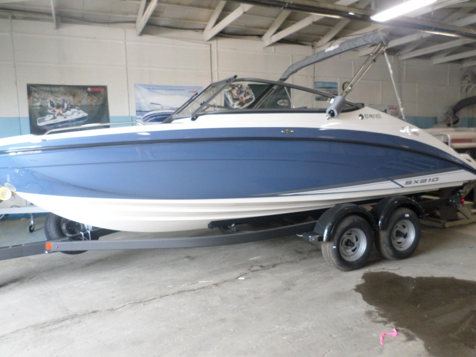Yamaha jet boats SX210