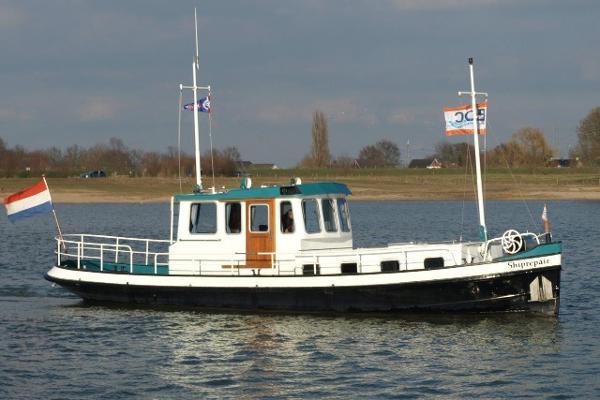 Classic Amsterdammer Sleepboot Tugboat