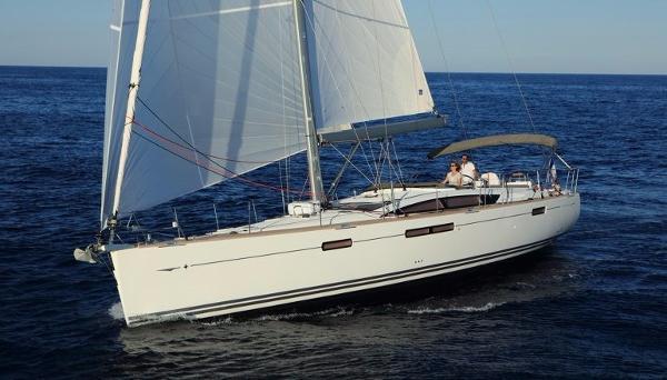Jeanneau 58 yacht