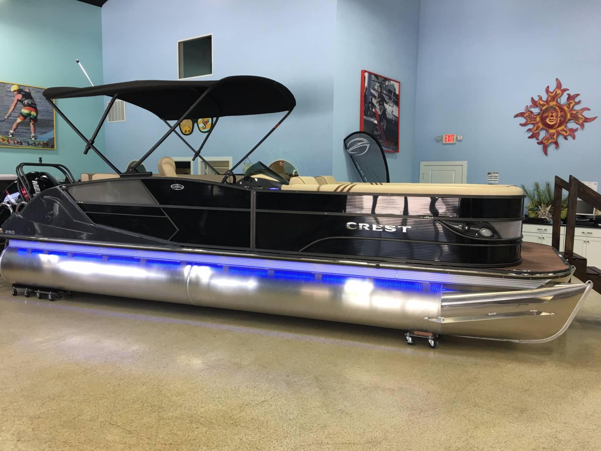 Crest Pontoon Boats Caribbean 250 L