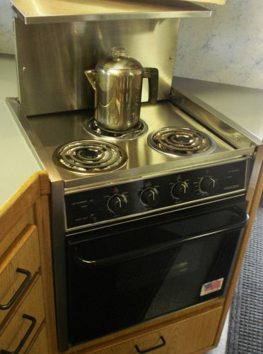 Princess 3 burner range with oven