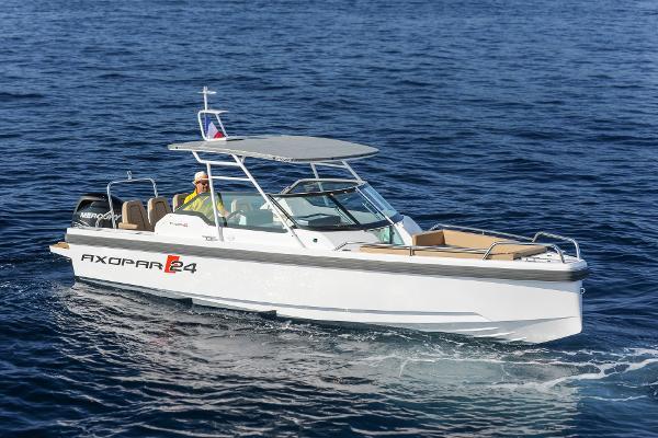Axopar 24 T-Top Superyacht Tender