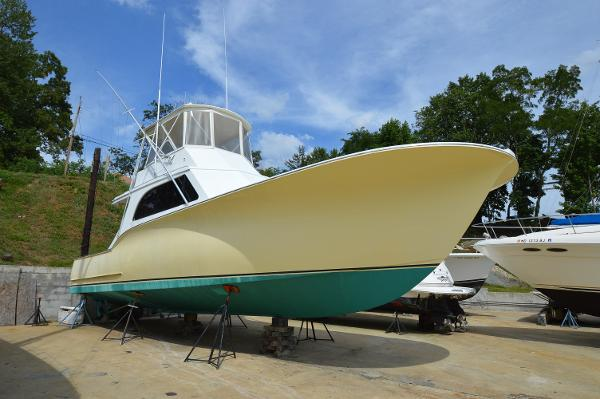 CUSTOM CAROLINA Capps Boatworks 41 Convertible
