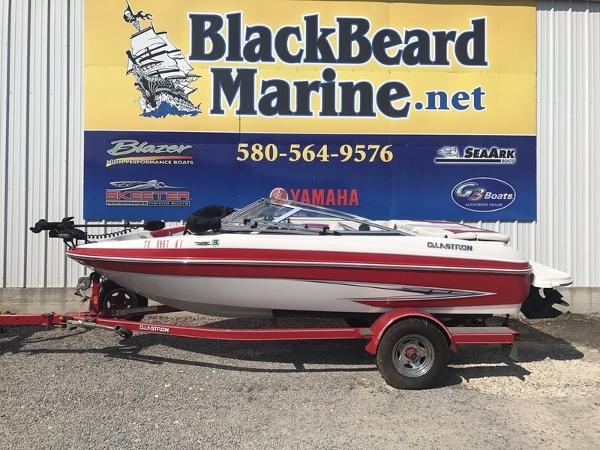 Glastron GT 185 Ski & Fish Bowrider