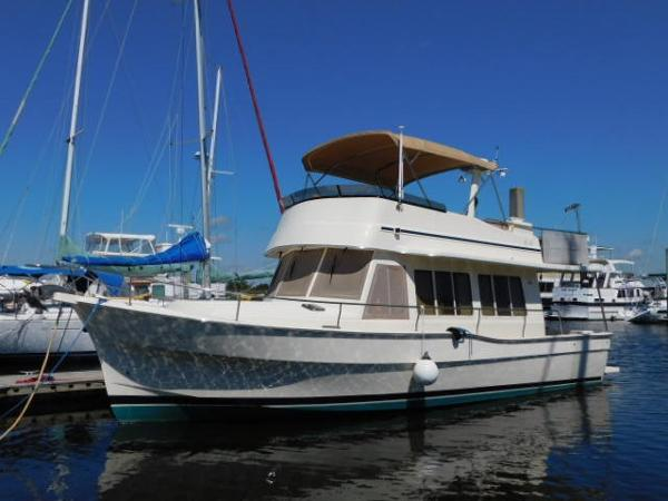Mainship 400 Trawler E & H Inheritance
