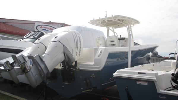 Sailfish 320 Center Console