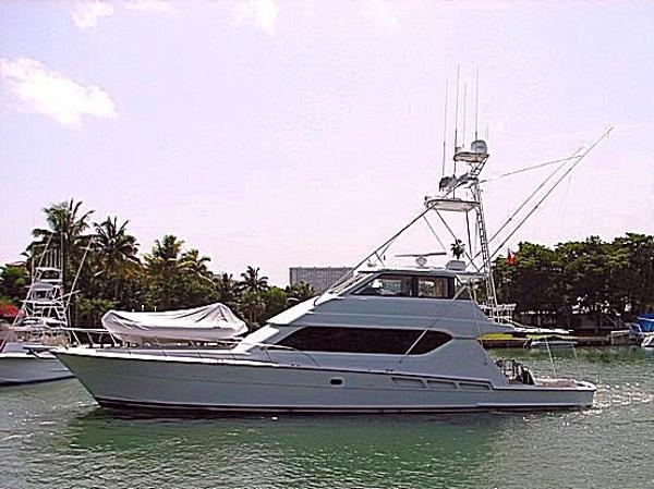 Hatteras 70 Convertible Enclosed Bridge MTU