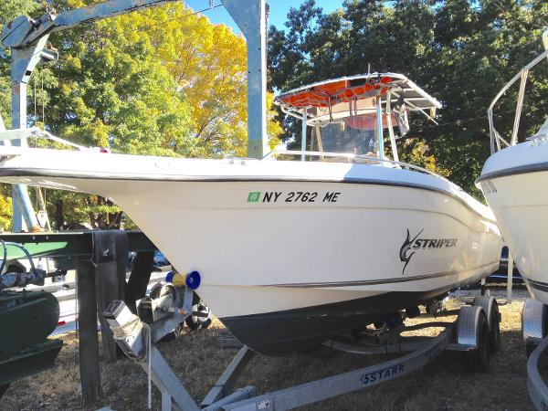 Seaswirl Striper 2301CC 2301CC Port