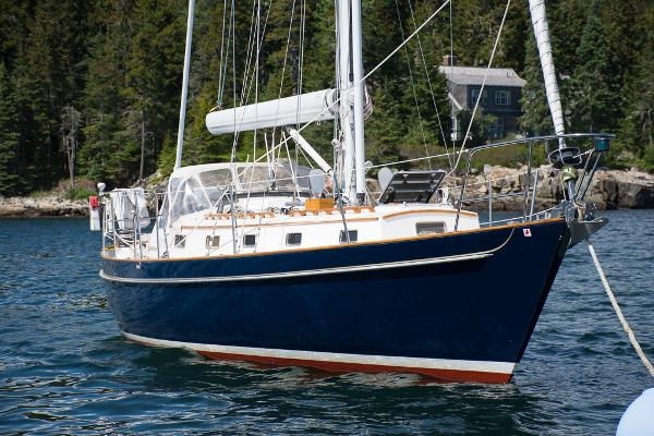 Morris Yachts Justine