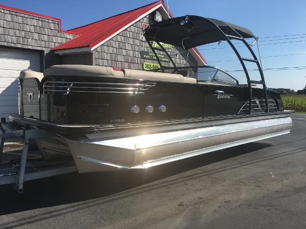 Tahoe 2785 Vision Elite Wind Shield Tri Toon