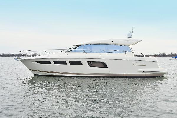 Prestige 500S Port Side