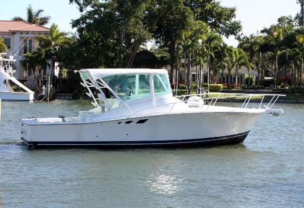 Luhrs Custom 32 Open Starboard Profile