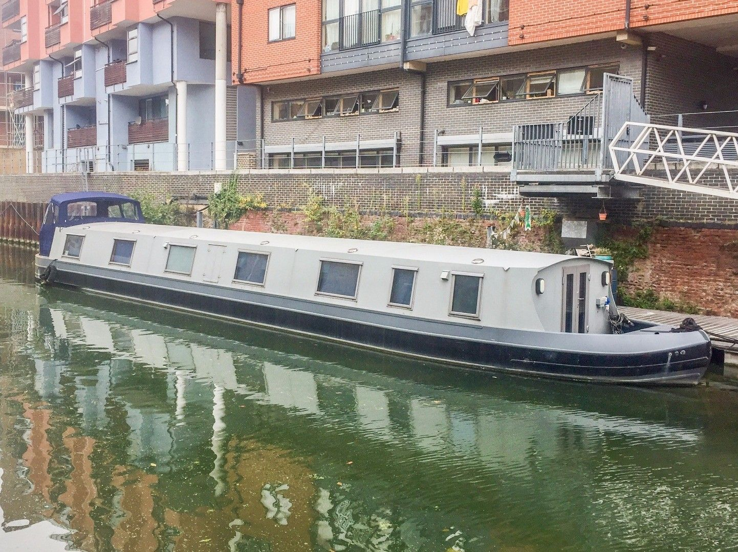 Wide Beam 72ft with London mooring