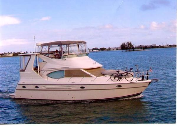 Maxum 4100 SCA Motor Yacht Profile
