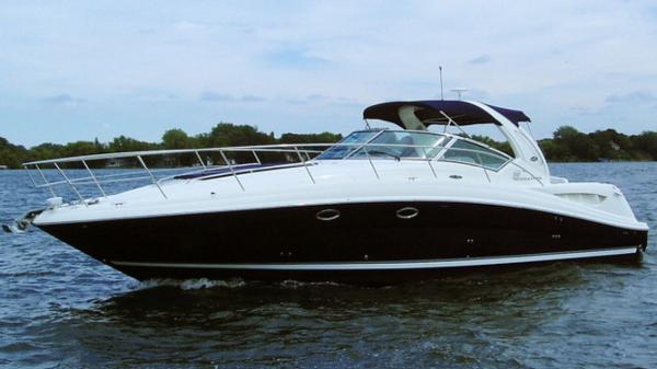 Sea Ray 390 Sundancer Port Side Blue Hull