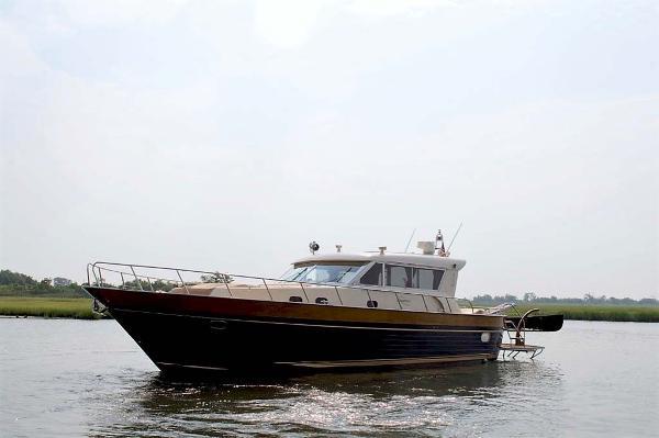 Apreamare 54 Express Cruiser Profile