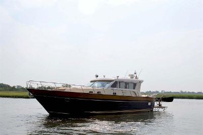 Apreamare 54 Express Cruiser Profile