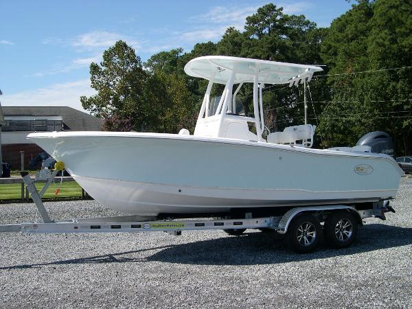 Sea Hunt Ultra 219