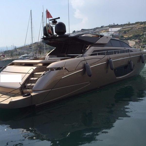 Riva 86' DOMINO 862.jpg