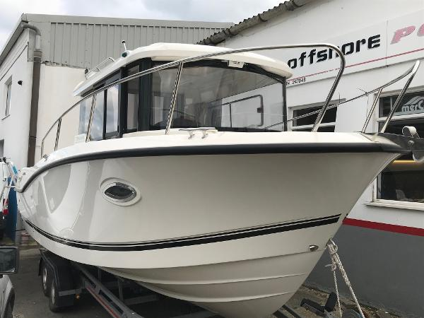 Quicksilver Captur 755 Pilothouse Quicksilver Captur 755 Pilothouse