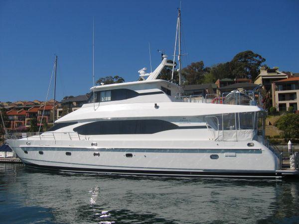 Monte Fino Skylounge Motor Yacht Photo 1
