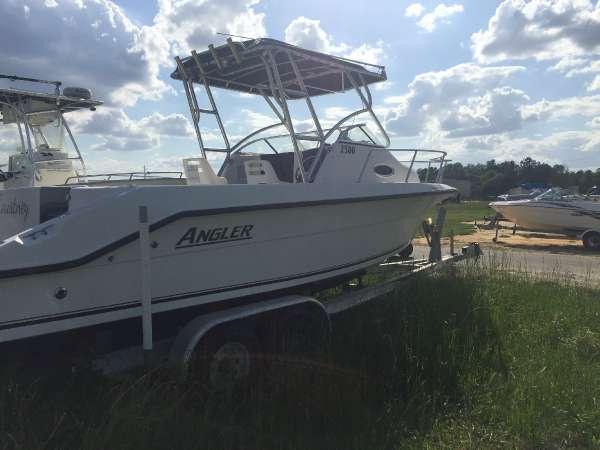 Angler Boats 2500