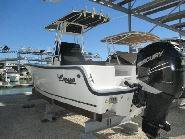 Mako Offshore 212 Center Console