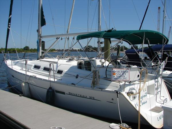 Beneteau 373 with Generator Port Profile