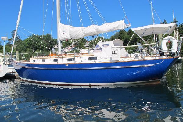 Morris Yachts Justine Morris Justine Port Side