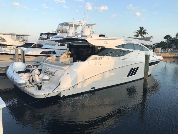 Sea Ray L590 Profile