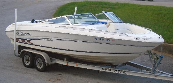 Sea Ray 210 Signature