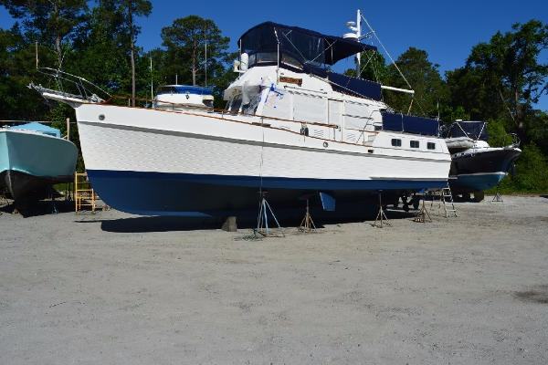 Grand Banks 42 Motoryacht Profile
