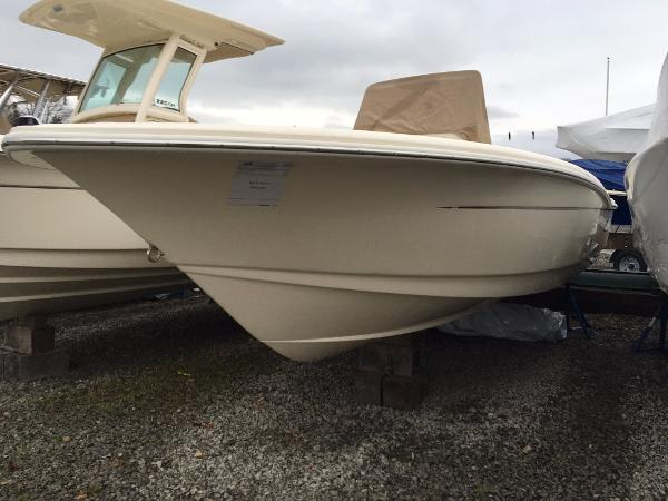 Scout 195 Sportfish Stock Boat Scout 195 SF Center Console