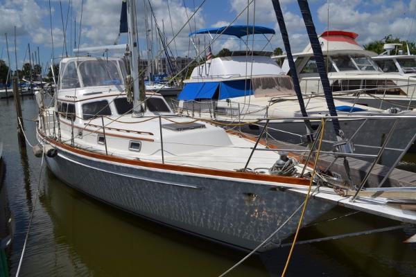 Gulfstar Sailmaster 47
