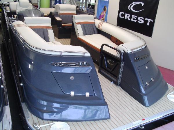 Crest Pontoon Boats Savannah 250 NXSLR2