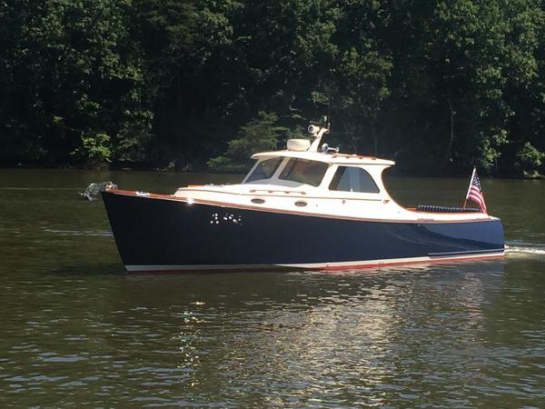 Hinckley Picnic Boat Classic GLORY