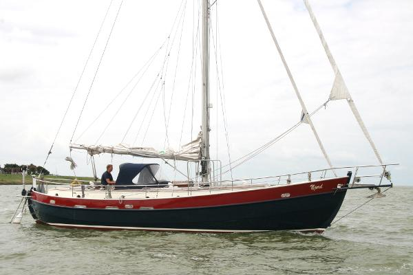 PHINO SAILER 37 Colin Archer