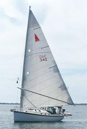 Nonsuch 30 Ultra Under Sail