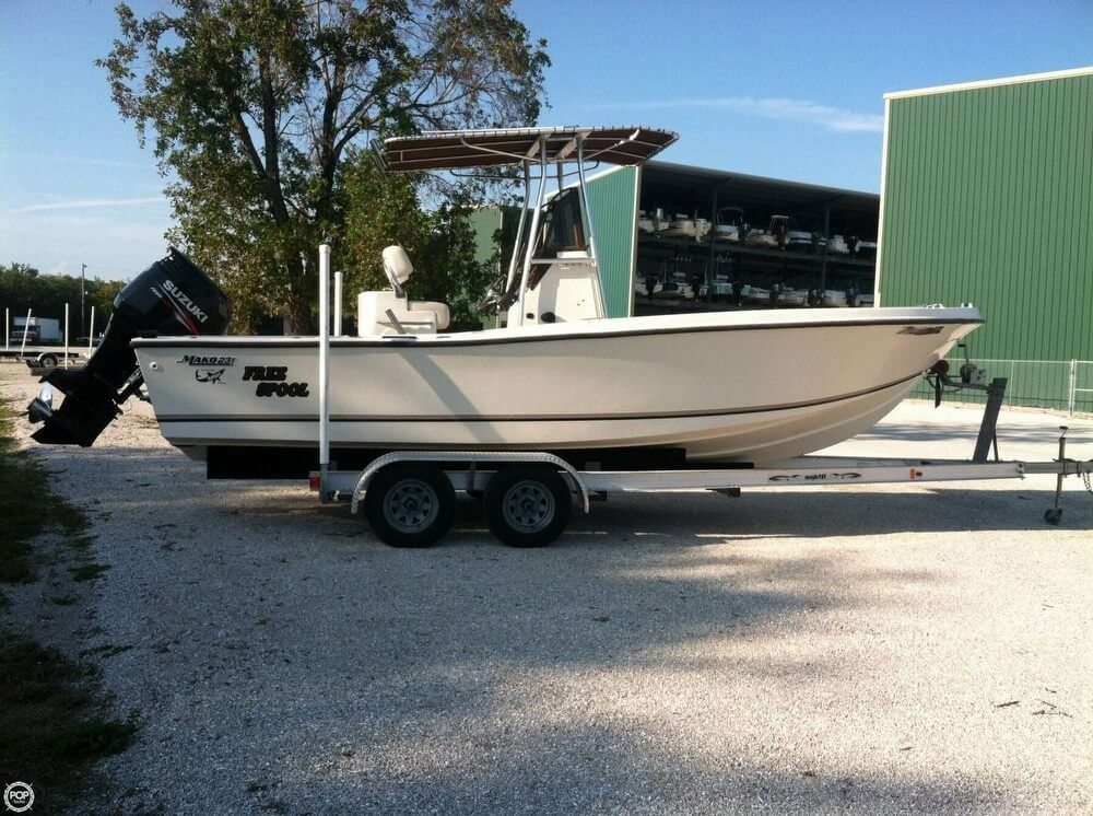 Mako 231 Center Console 1989 Mako 231 for sale in Winslow, ME