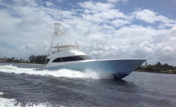 Viking Yachts 82 Convertible