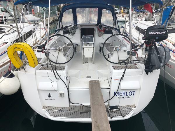 Jeanneau Sun Odyssey 409 Main Yacht View (1)
